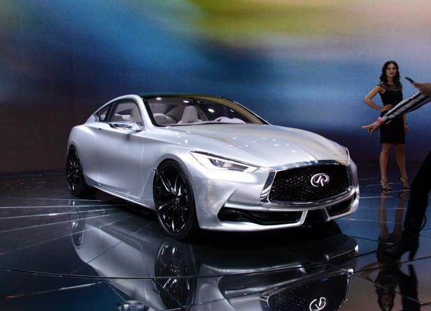除此之外,英菲尼迪还将在2016年发布QX80 Signature Edition限量版车型,该车将限量发布1000台。这款车型将基于海外新款QX80,并采用独特的Hermosa蓝车漆,增加驾驶辅助功能,以及全新的内饰材质。 如今英菲尼迪已拥有双门跑车、轿车、越野车和SUV等全系列车型,又有2006款M系列高性能运动轿车加入英菲尼迪产品家族,使其产品线更为丰富。届时,这些英菲尼迪新车在各个方面的性能表现如何,是否能让广大消费者们感到满意,敬请期待。